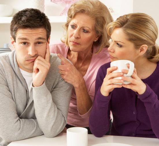 7 правил жизни молодоженов с родителями