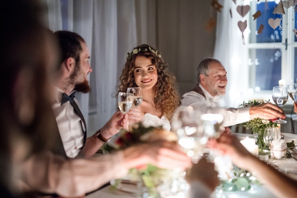 Оригинальные свадебные тосты в прозе